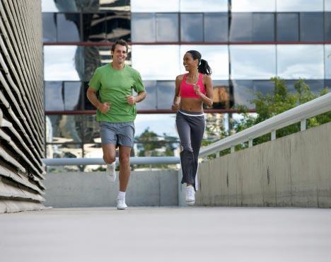 Las ventajas de entrenar con tu pareja