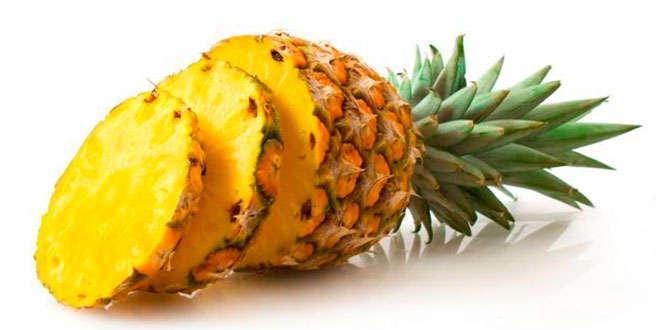 Acompaña el consumo de piña con abundante agua para evitar la deshidratación