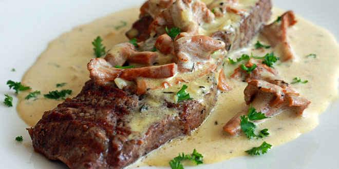 Filetes rusos con salsa de champi ones - Filetes de carne en salsa ...