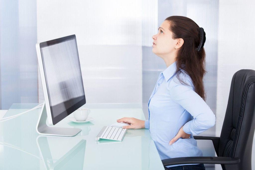 La importancia de los ejercicios posturales en la oficina for La oficina importancia