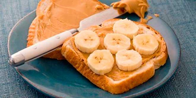 Sandwich Mantequilla de Cacahuete y Plátano