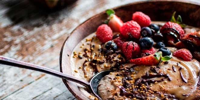 Gachas de Avena: 10 Ideas para Desayunos Sanos y Deliciosos